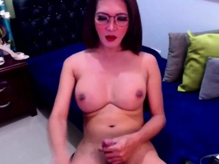 Pretty Shemale Faps Huge Cock Till She Climaxed